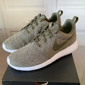 NIB NIKE ID Sneakers